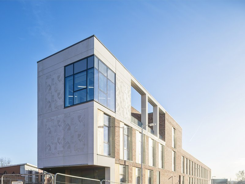 Exterior of the Woodside Gorbals healthcare centre