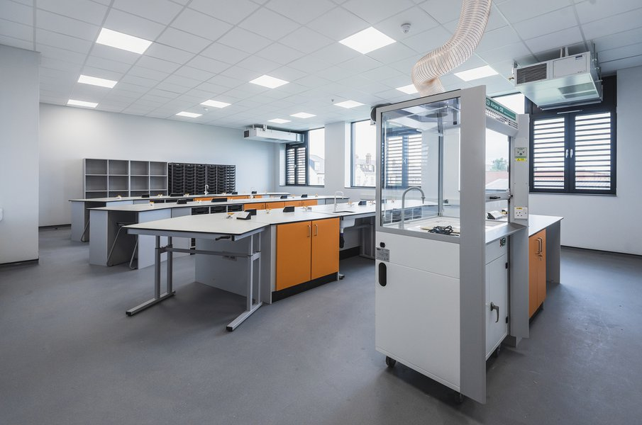 Image of a science laboratory at the Great Yarmouth Charter Academy