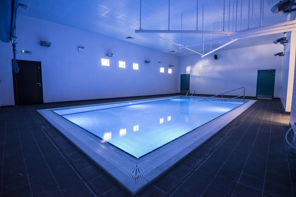 Picture of the sensory pool at the Glenwood SEN School, the lights are set to a blue setting