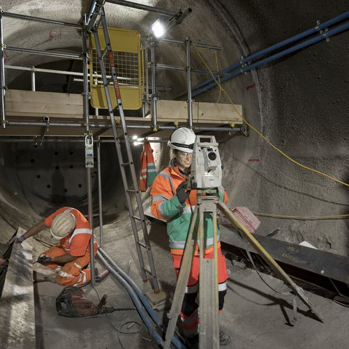 Jennifer Ehr working at the Thames Tideway Tunnel West Section project